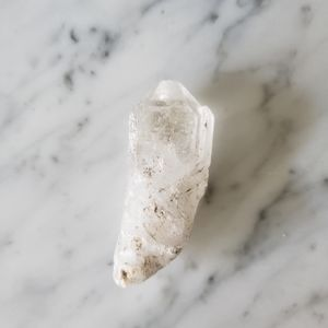 Quartz small crystal rough point